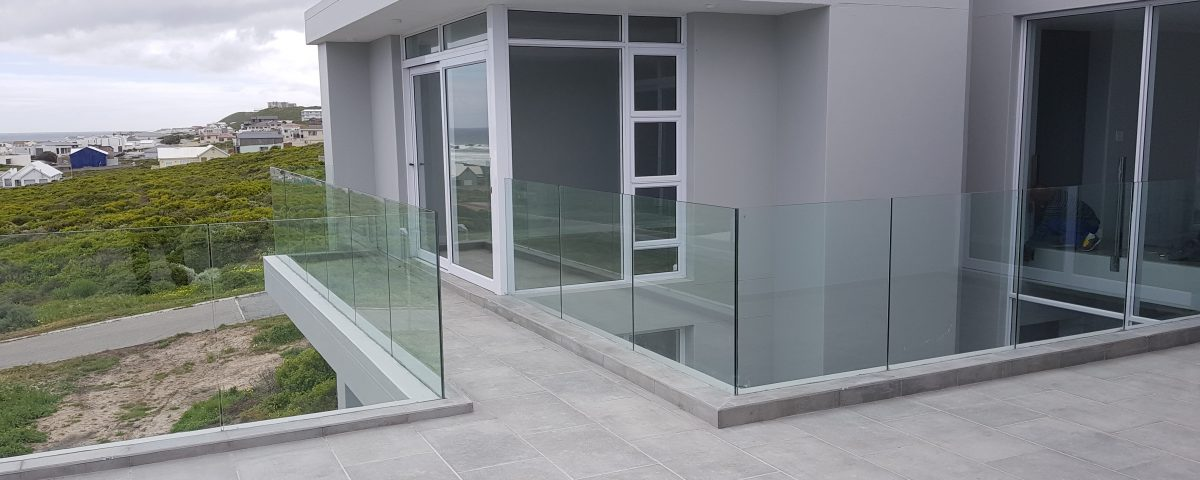 Balustrading-frameless-glass-balustrades